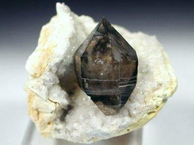 スモーキークォーツ煙水晶原石(オーストラリア・モララ産)