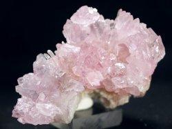 ローズクオーツ結晶原石 (紅水晶)